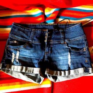 YMI wanna betta butt high waisted shorts. Size 3